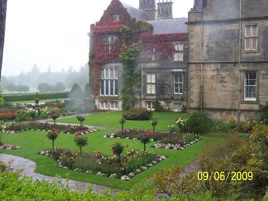 Arbutus Hotel: The Muckross House
