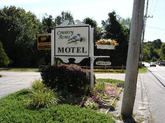 Country Acres Motel: Hotel-Einfahrt
