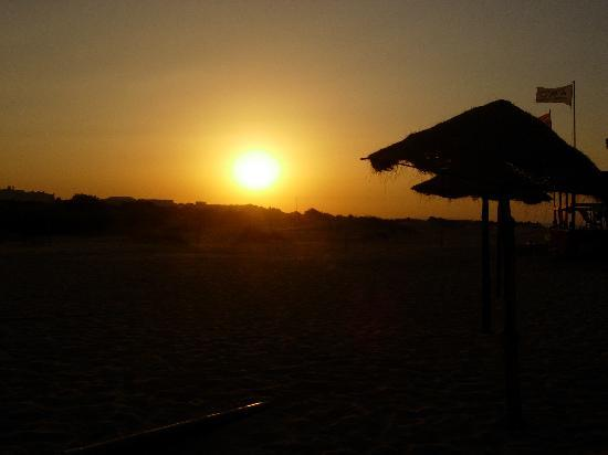 Caribbean World Gammarth: Coucher de soleil sur la plage de l'hôtel