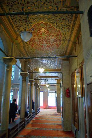 มัสยิดสุลต่าน เอยุพ (สุเหร่า สุลต่าน เอยุพ): Eyüp interior