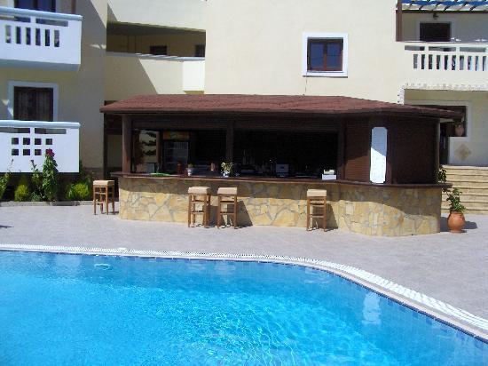 Arkasa Bay Hotel: Poolbar