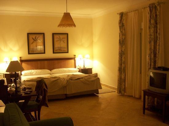 Hotel la breña: habitacion