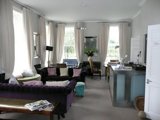 The Millhouse: Lounge area