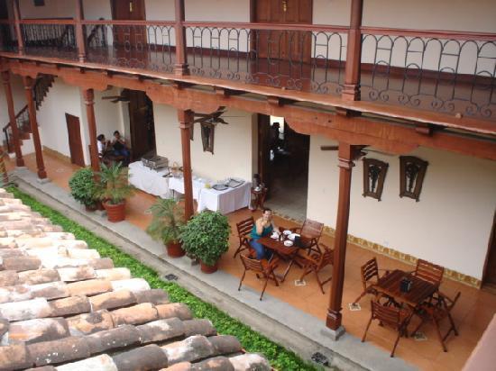 Hotel Plaza Colon : Patio interno