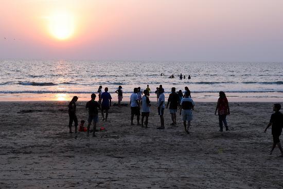 Karpewadi Agrotel: The wide, clean beach is always a favourite!