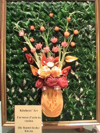 Hotel Principe Palace: Beautiful sculpture made from food