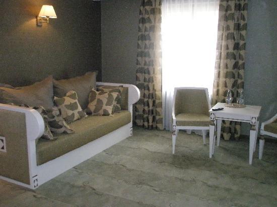 Wawel Hotel: Living area