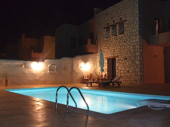 Sitia, Greece: Pool at night