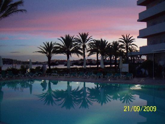 Ibiza Bay Resort & Spa: Poolside