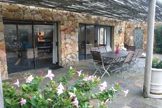 The Tarragon: Angelica, terrasse