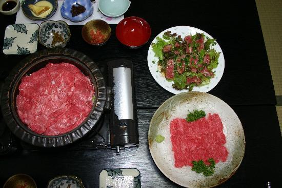 Senju: これ以外に、鴨鍋までついていました!