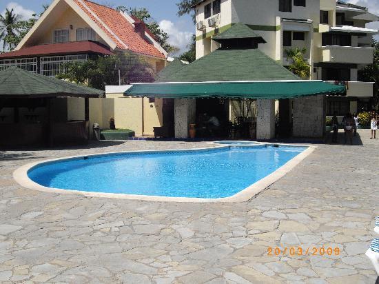 Coop Marena Beach Resort: piscina garden