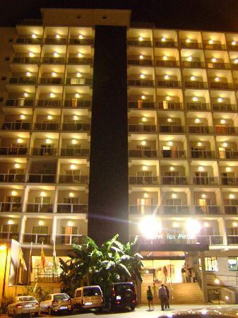 Hotel Los Patos Park: La fachada principal
