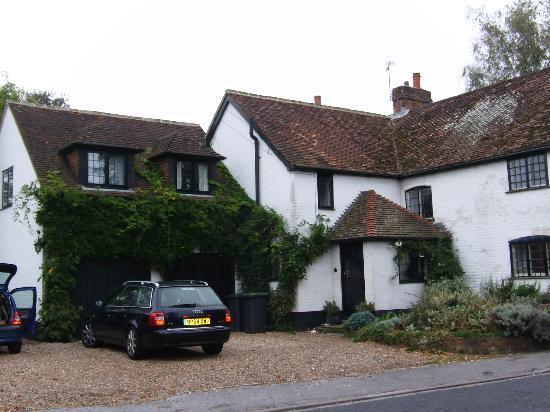 Sylvan Cottage: Coté rue