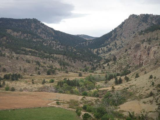 Sylvan Dale Guest Ranch: A view of Sulzer Gulch - you can ride or hike through here from the ranch