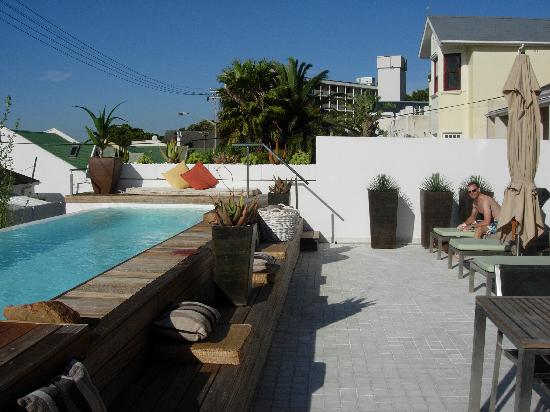 Dysart Boutique Hotel: terrace and pool