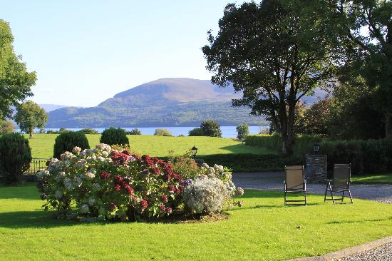 Loch Lein Country House: View from Loch Lein