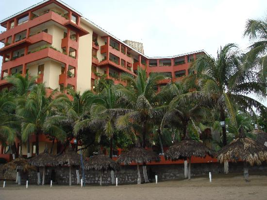 Luna Palace Hotel / Suites : The Luna Palace from the beach