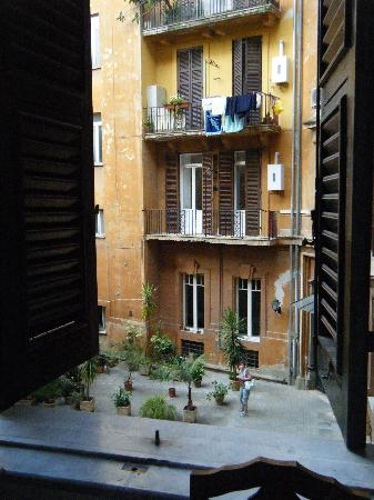 B&B Savoia: View from our window, Cherry room