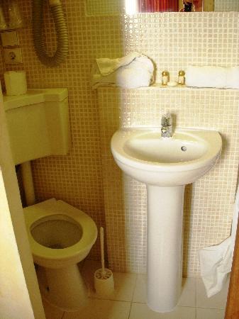 Hotel Rex : The bathroom