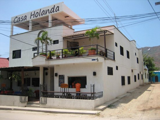 Hotel Ocean Taganga Internacional: Casa Holanda in the center of town and 40mtr from the beach