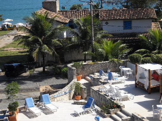 Coronado Beach Hotel: Area de piscina, juegos y servicio de desayuno excelentes...