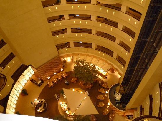 Shangri-La's Far Eastern Plaza Hotel Tainan: 17階から10階のレストランを撮りました。
