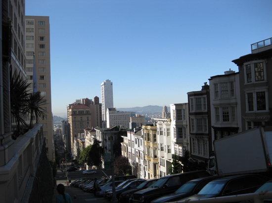 Nob Hill: 坂の上から