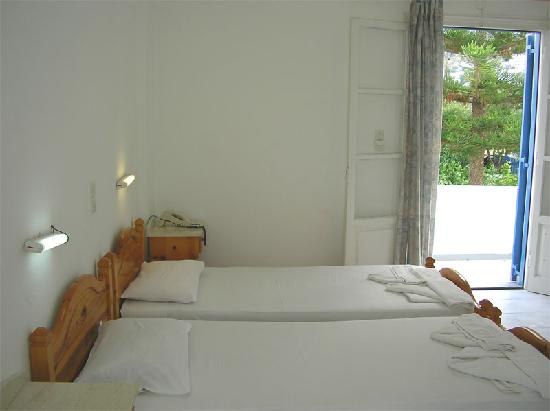 Hotel Marinos Parikia: Double room.