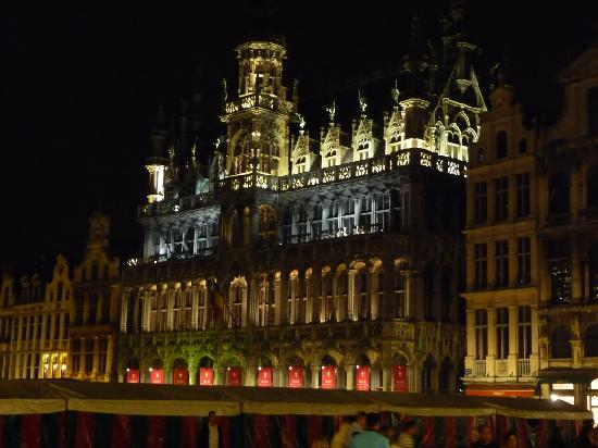 Splendides maisons flamandes picture of brussels - Grand magasin maison du monde ...