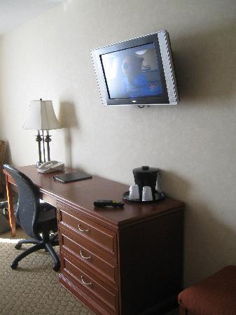 Best Western Plus Meridian Hotel: King Room