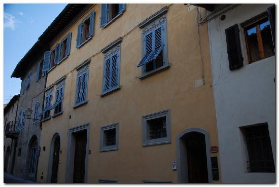 Palazzo al Torrione 2: B&B from outside (non-balcony side)