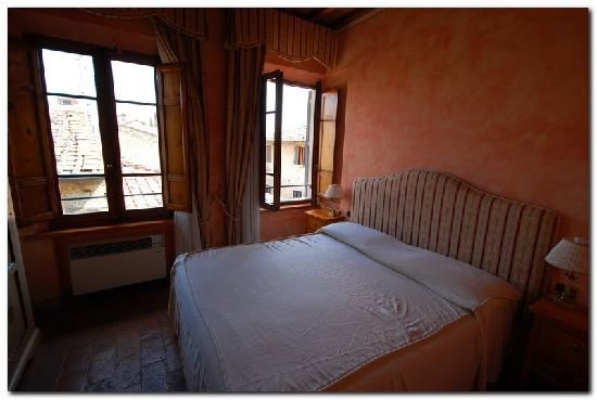Palazzo al Torrione 2: Bed was firm and fairly confortable