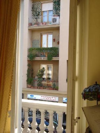 Abatjour B&B: Picture window in hallway