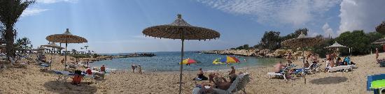 Adams Beach Hotel : Panoramic view of private beach