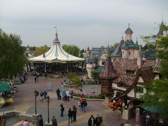 naughty penguins picture of disneyland park marne la vallee tripadvisor. Black Bedroom Furniture Sets. Home Design Ideas