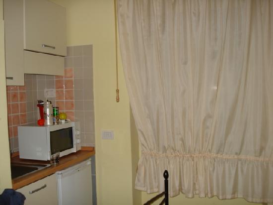 Bed And Breakfast La Porta: Clean kitchenette