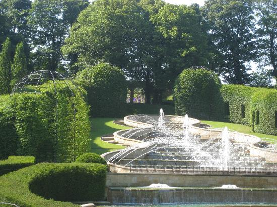 Castle Gate Guest House: Alnwick gardens
