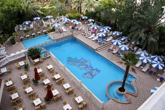 Bahia del Sol Hotel: The outdoor pool.