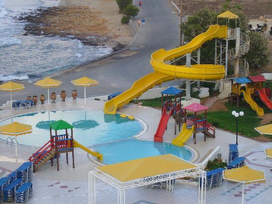 Serita Beach Hotel: Waterslides