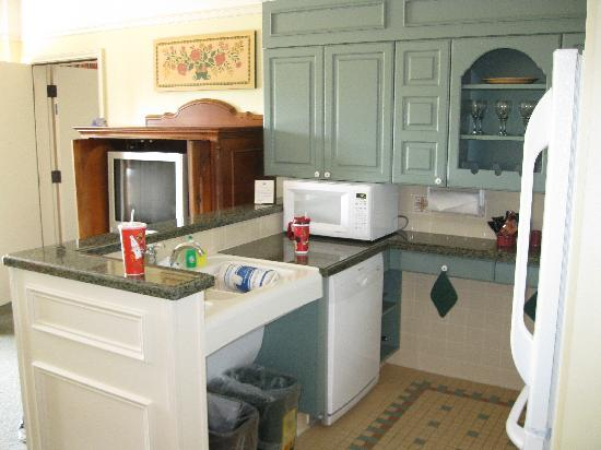 Great Kitchen Area - Fully Stocked