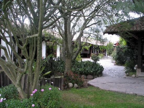 Hacienda Abraspungo: Grounds