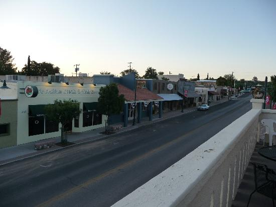 Cottonwood Hotel: Early Morning View from Hotel Balcony 2