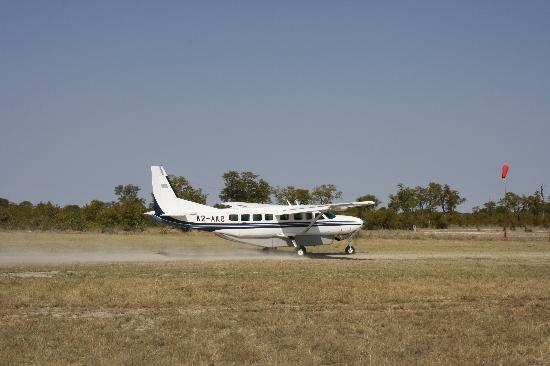 Linyanti Bush Camp: Airstrip on arrival