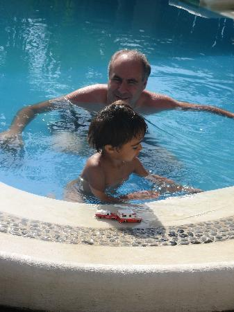 Villas Geminis Boutique Condo Hotel: Papa and Son