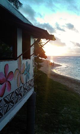 Janes Beach Fales: Check out the sunset from the last place on earth