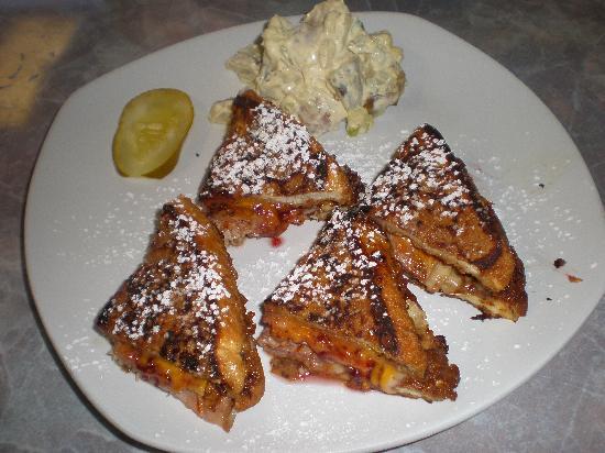 CRaVE: Monte Cristo Sandwich  - SO GOOD!!