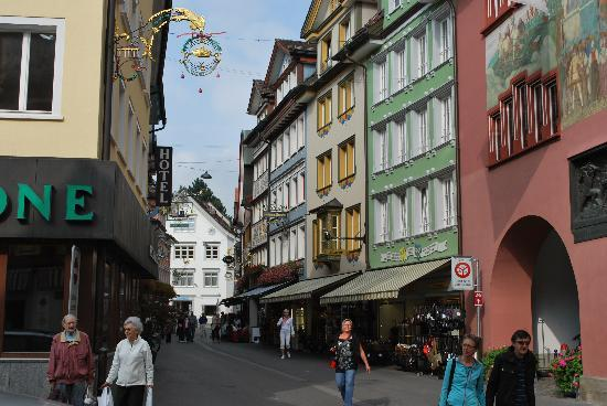 Hotel Appenzell: Along the main street