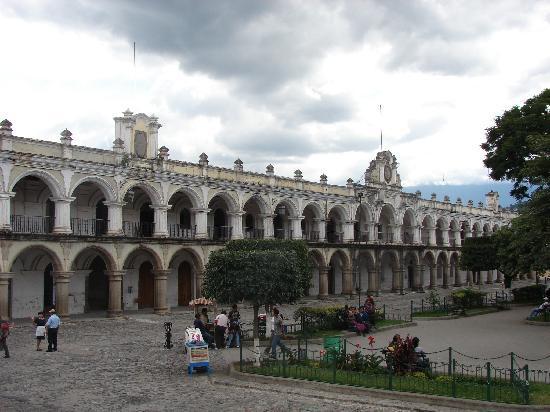 Palacio de los Capitanes Generales: Vista desde la Catedral