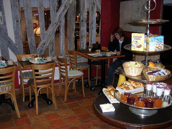 Hôtel Entre Terre Et Mer: La salle de petit déjeuner
